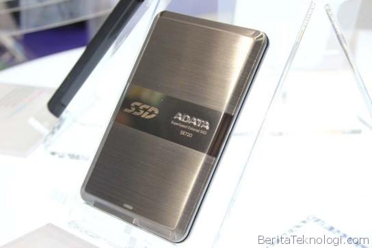 ADATA DashDrive Elite SE720, SSD USB 3.0 Portabel Dengan Ketebalan Hanya 8.9mm