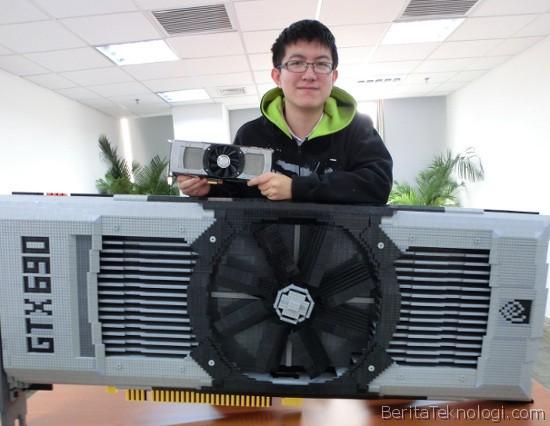 Infotek: Pria Cina ini Membangun Replika Kartu Grafis NVidia GeForce GTX 690 dengan 11 Ribu Potong Lego