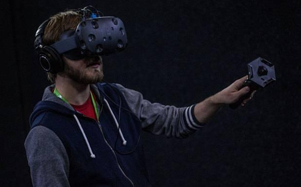 Perangkat VR HTC Vive versi pertama